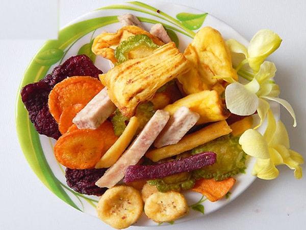 Những lợi ích ít biết từ hoa quả khô đối với sức khỏe bà bầu