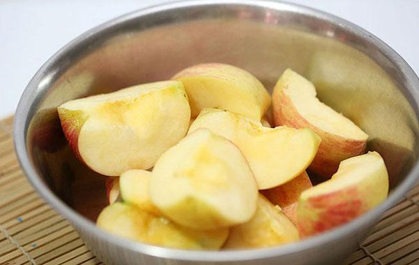 Cách bảo quản táo, lê không bị thâm