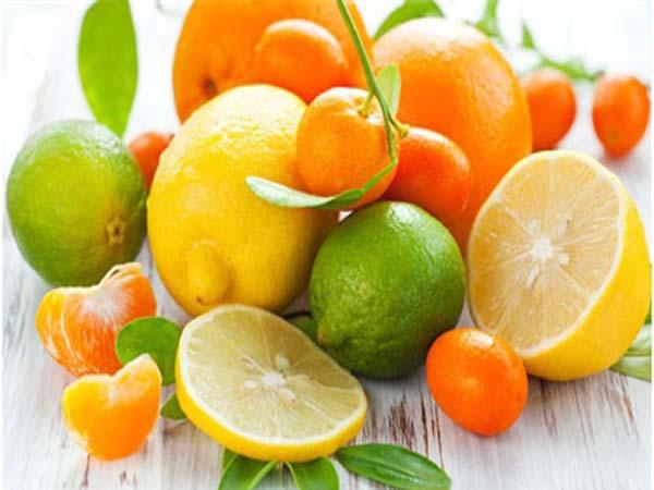 Những loại hoa quả họ cam quýt có rất nhiều nước