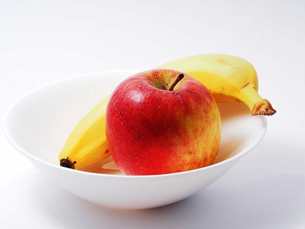 Ăn nhiều táo và chuối tốt cho sự phát triển của thai nhi