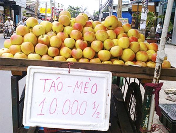 """Táo mèo Trung Quốc """"đội lốt"""" táo mèo Tây Bắc được bán với giá rất rẻ"""
