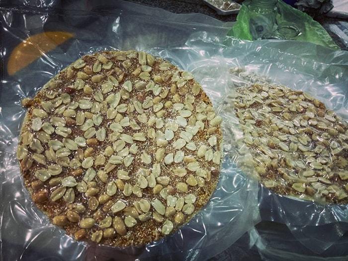 Kẹo đậu phộng Đà Nẵng bình dị và hấp dẫn
