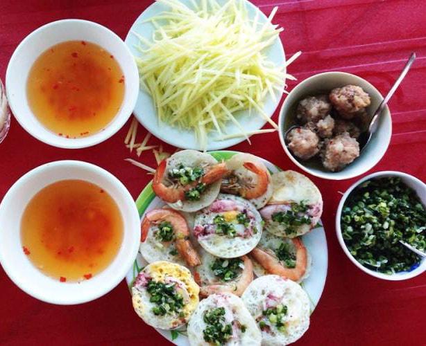 Bánh căn Nha Trang chiều lòng những thực khách khó tính