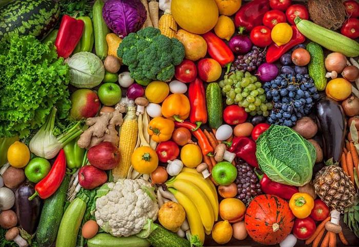 Trái cây và rau củ là những thực phẩm hỗ trợ rất tốt cho người cai thuốc lá
