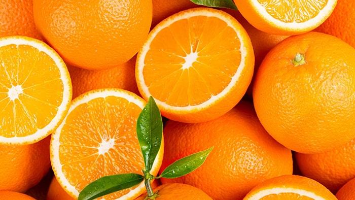 Quả cam chứa rất nhiều vitamin C tăng sức đề kháng cho bà bầu