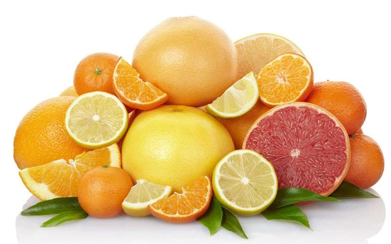 Các loại quả có múi như bưởi, cam, chanh chứa rất nhiều vitamin C