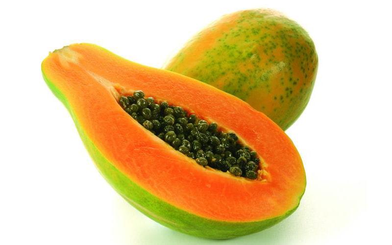 140g đu đủ chứa khoảng 144% giá trị vitamin C mỗi ngày