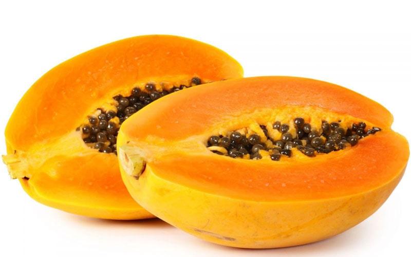 Đu đủ bổ sung Vitamin E rất tốt, có thể ăn trực tiếp hoặc ép nước uống