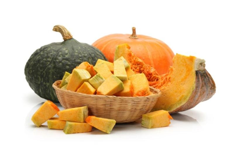 100g bí ngô cung cấp tới 9% lượng vitamin E cần thiết mỗi ngày