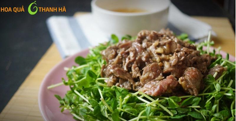 Rau mầm xào thịt bò